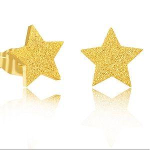 Sparkle star stud earrings